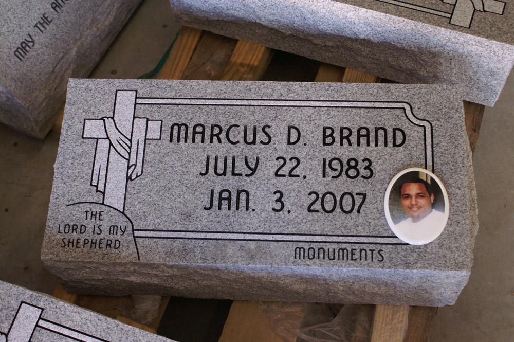 headstone memorial photos