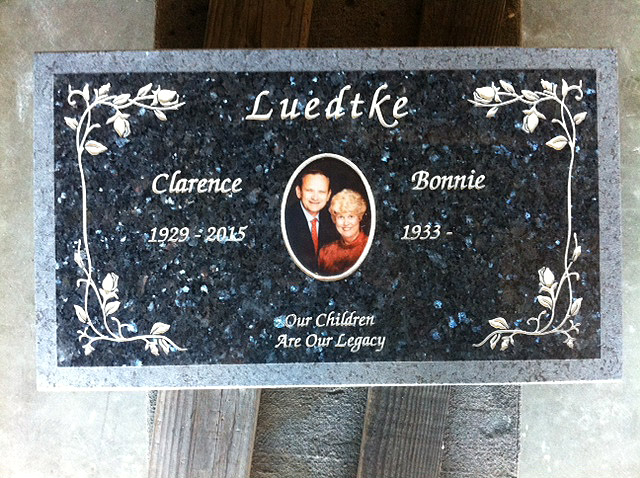 headstone-memorial-portrait